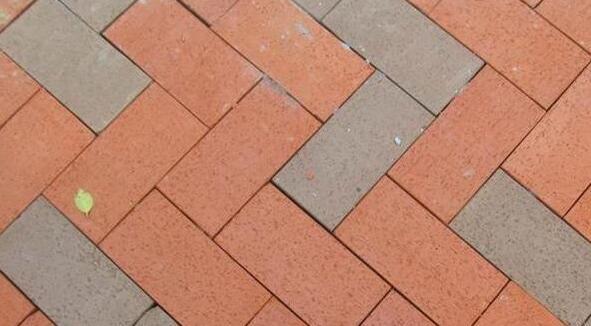 彩色混凝土路面砖生产工艺